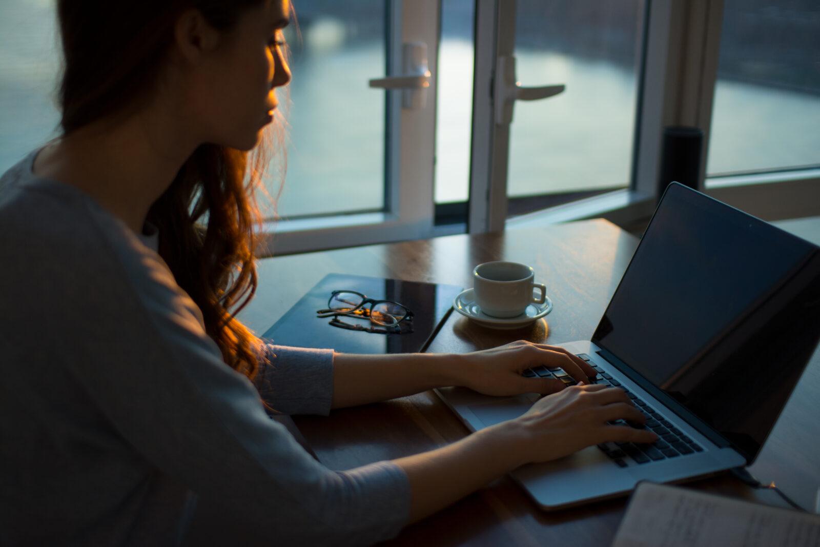 Bedrijfsleven lanceert website rond gezond thuiswerken